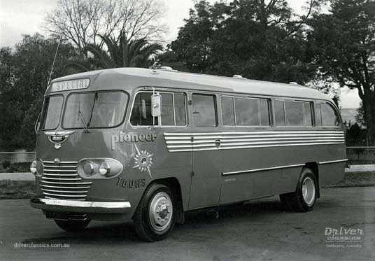 Ansair Commer Avenger Bus (1949 Model) 'Scenic Clipper'