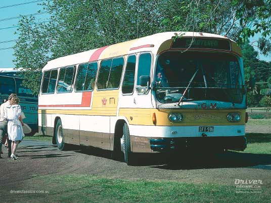 Ansair Scenicruiser bus, Reo 1965 version, in Shave Bus Service colours, Melbourne 1986