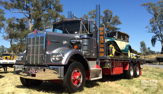 1977 Kenworth W925 truck with 1930 Pontiac 29-6 car on the back at Lancefield, 2014